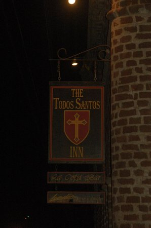 Todos Santos Inn: Inn sign on the corner of the Todos Santo Inn