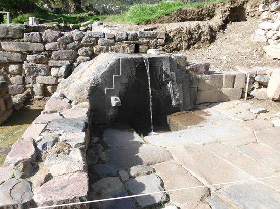 Patacancha  Valley: Hermoso expectáculo de una caida de agua