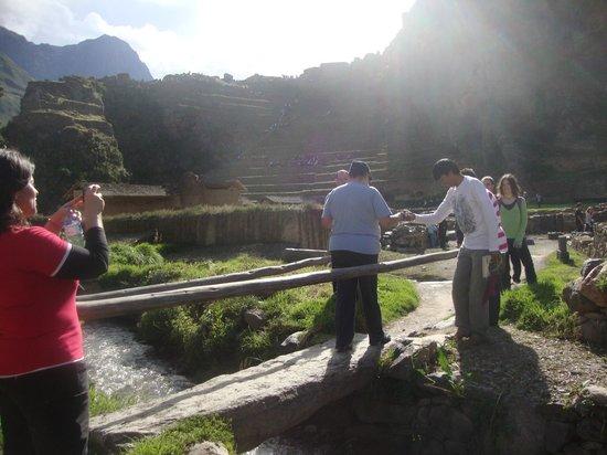 Patacancha  Valley: Trayecto y ascenso en ollantaytambo.