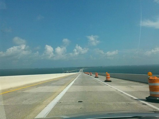 Sunshine Skyway Bridge : Headin Down