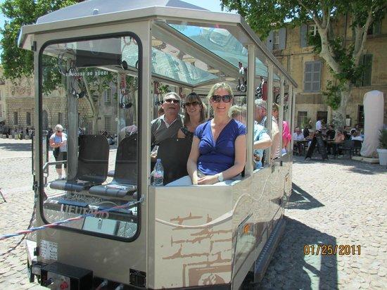 Petit Train Avignon : Here is the little train to take you around Avignon