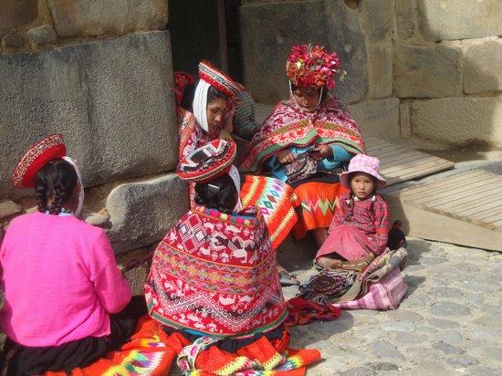 Patacancha  Valley: Mujeres autóctonas del lugar.