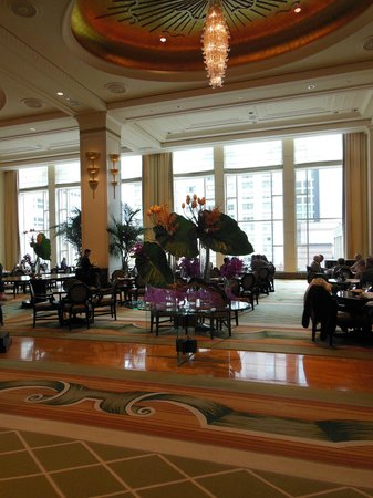 The Peninsula Chicago: View from the lobby into the dining area.