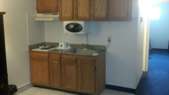 Knights Inn and Suites Virginia Beach VA: Kitchen