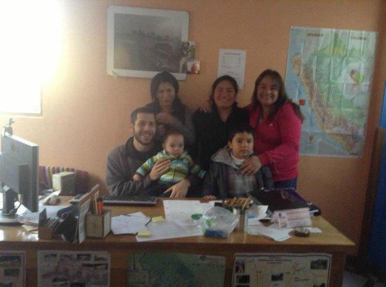 Hospedaje Turismo Caith : Con Andrés, unas amigas del Caith y mis hijos.