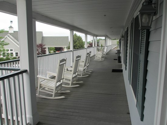 BEST WESTERN Plus Cold Spring: Rocking chairs on 2nd floor walkway