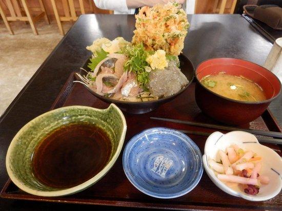 Suruganoajidonmusu: 駿河丼