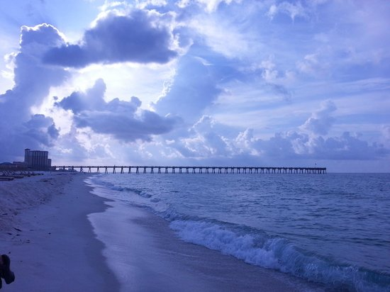 Pensacola Beach : Beautiful sight on a morning beach walk