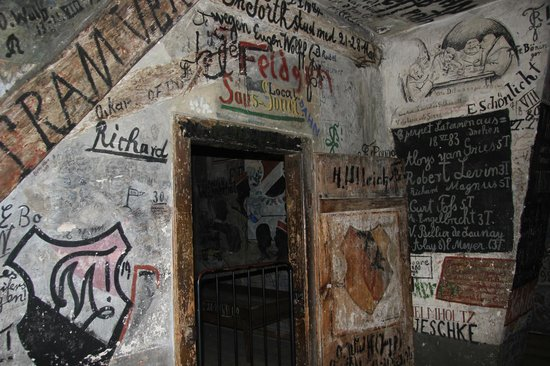 Student Jail (Studentenkarzer) : this cell was covered with paintings, messages and name for the cell