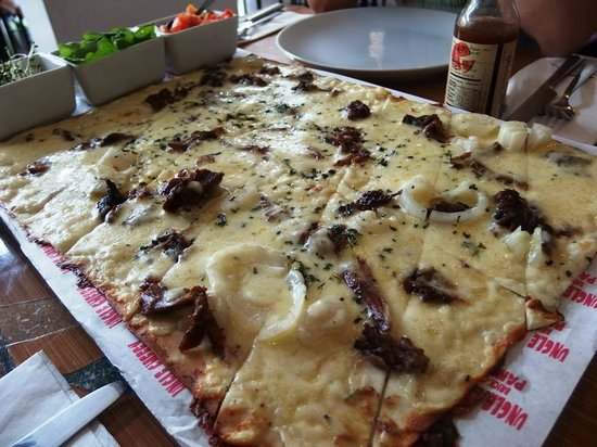 Uncle Cheffy : All meat bbq panizza