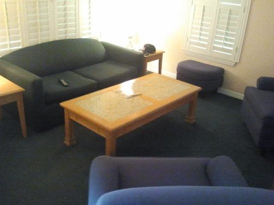 Mainsail Tampa Extended Stay: Living area