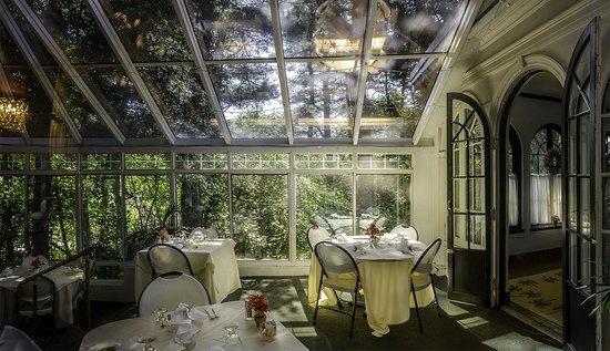 Benn Conger Inn: Back Dining Room