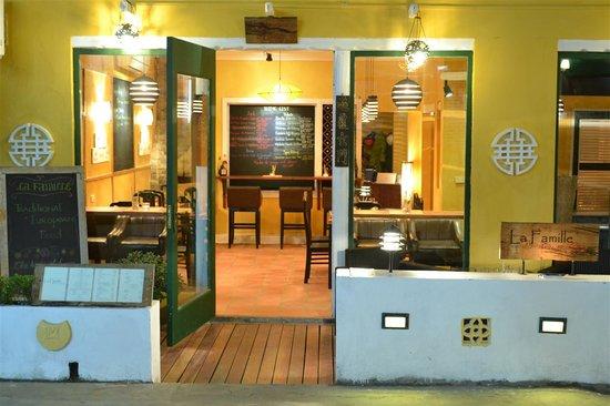 La Famille Restaurant & Lounge: getlstd_property_photo