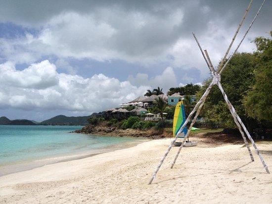 Cocobay Resort: Hotel Beach