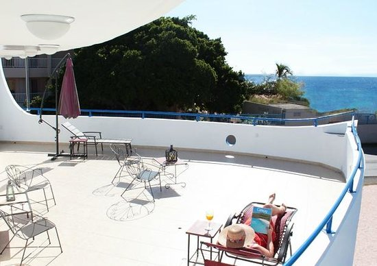 Atlanta Beach Hotel: The view from this Ship/Deck-formed terrace on the sea: just wonderfull!