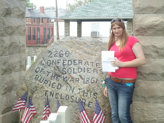 Camp Chase Confederate Cemetery: Me and the rock