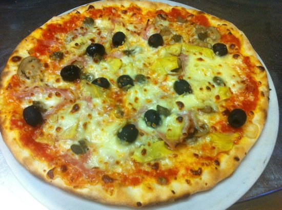 Pizzeria Marabu: pizza 4 stagioni