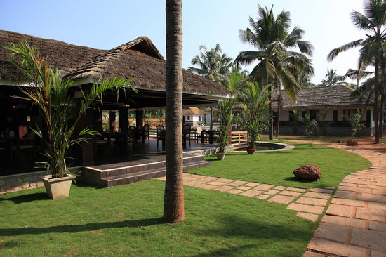 Malabar Ocean Front Resort and Spa: Restaurant