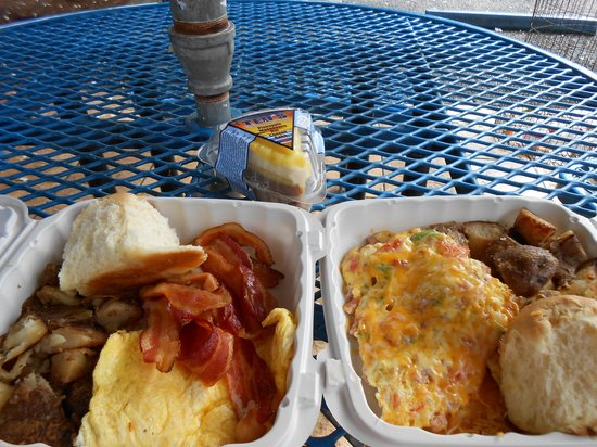 Ted's Bakery: scrambled eggs and bacon, denver omlet