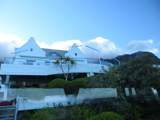 The Twelve Apostles Hotel and Spa : Hotel Exterior
