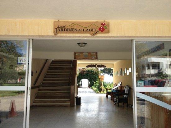 Jardines del Lago: Entrada hotel
