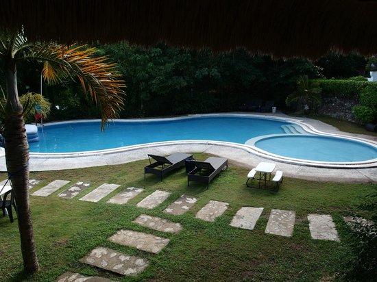 Bambu Villa Resort: Pool