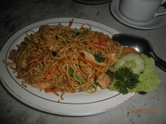 Pantai Restaurant: fried noddle