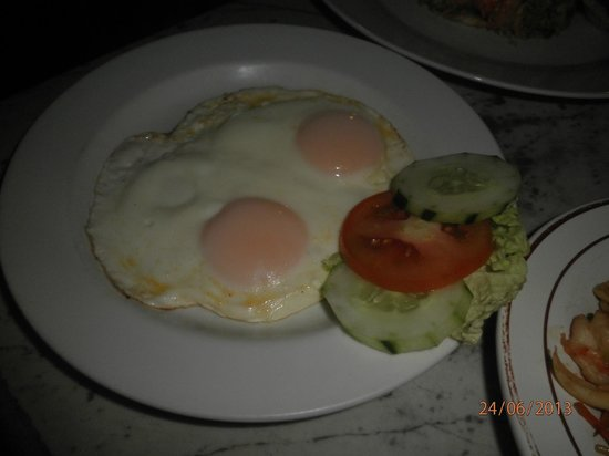 Pantai Restaurant: omelette