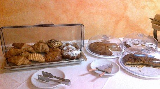 Park Hotel Residence : La colazione (manca foto del salato, ma c'era)
