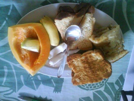 Tanu Beach Fales: breakfast