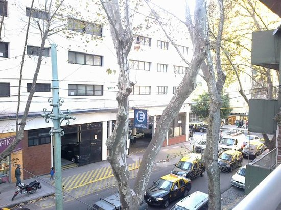 Hotel Bys Palermo: VISTA DESDE EL BALCON