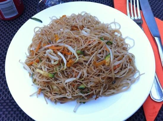 Piatto cinese spaghetti di riso saltati con verdure for Piatto cinese