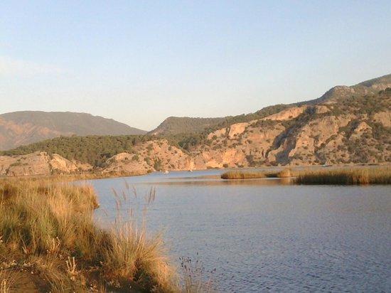 Iztuzu Beach: Sabah erken balık avı için mükemmel bir yer.3 km yürürseniz güzel balık yakalarsınız.