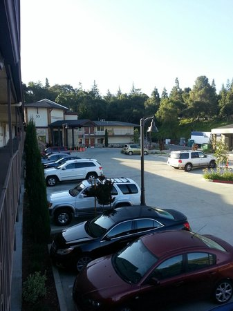 BEST WESTERN The Inn Of Los Gatos: Parking lot