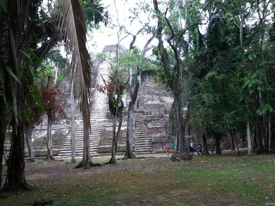 Hotel de la Fuente: Lamanai Ceremonial Pyramid