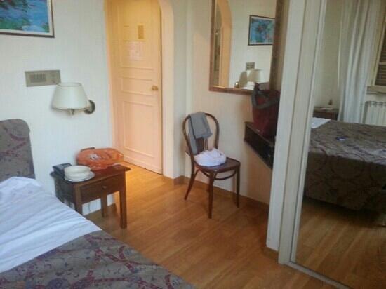 Hotel San Marco: stanza e arredo