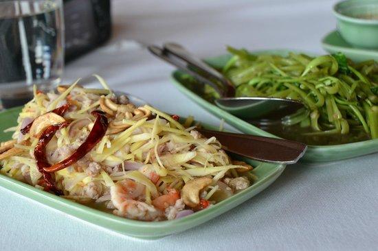 Chan Thailand  city photos : Inn Chan Restaurant: Inn Chan Thai Restaurant Menu