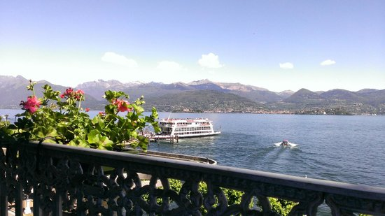 Albergo Sempione: Gorgeous view from the porch