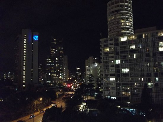 The Quarterdeck Surfers Paradise : Night view from deck