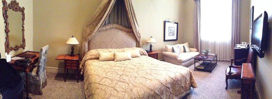 Monarch Hotel : Rooms fit for Royalty