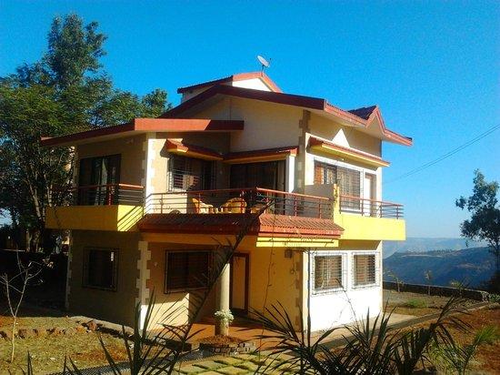 Bhatia Villas