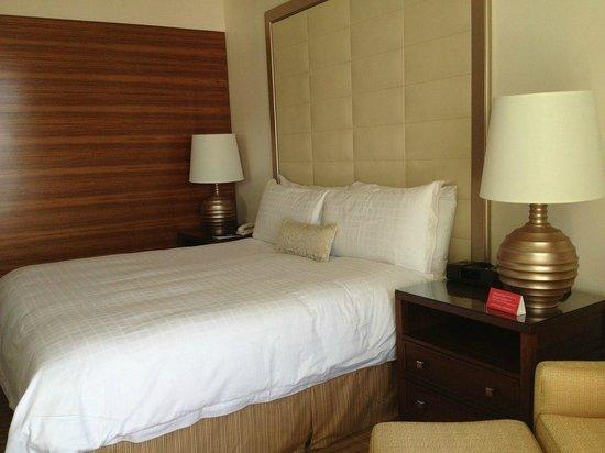 Four Seasons Baltimore: Good bed