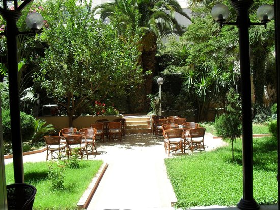 Achillion Palace : garden2