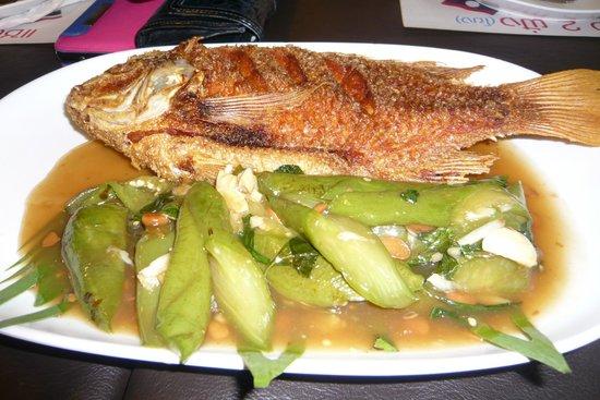 Tum Mua': ปลาทับทิม ทอดมั่ว