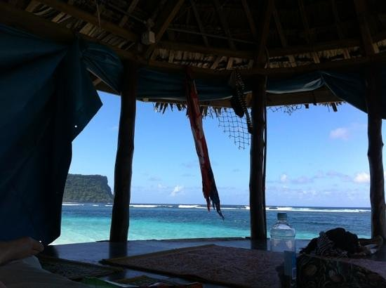 Anita's Beach Bungalows: view from the beach fale