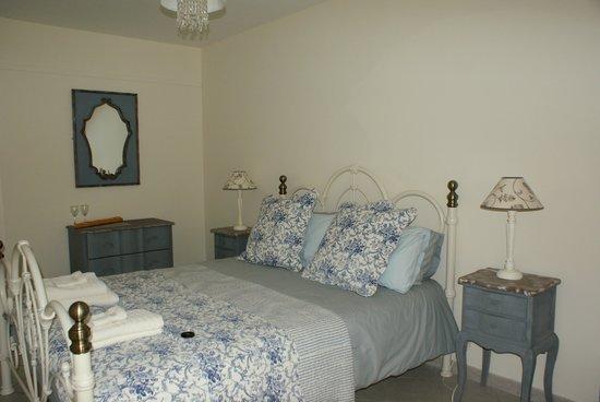 La Colline de Pechauriol : Our room