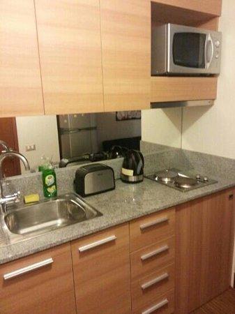 Diamond Suites: cozinha completa.