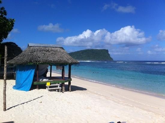 Anita's Beach Bungalows: best beach fale in Lalomanu
