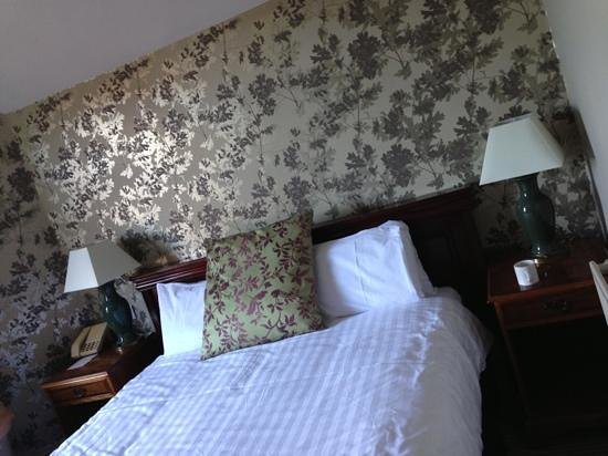 The Crown Manor House Hotel: Dog friendly double