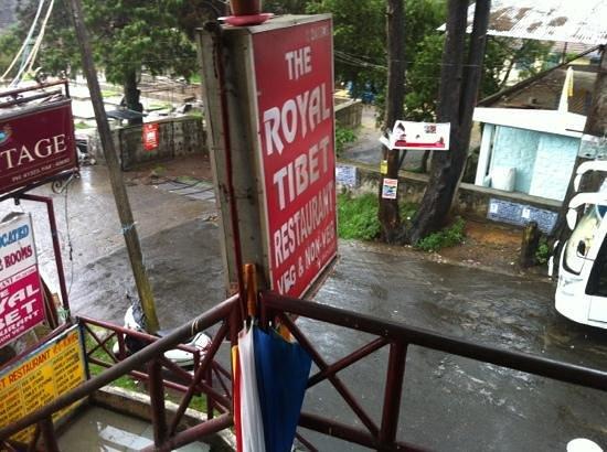 Royal Tibet : rainy day